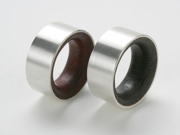 Holzringe mit Silber