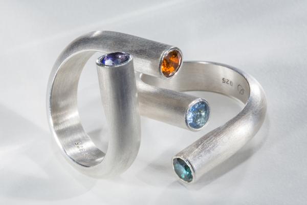 Ringe aus Silber mit Iolith, Citrin, Aquamarin und Turmalin